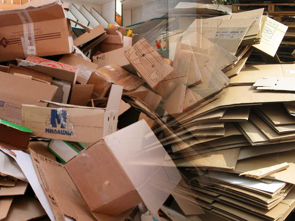 Принимают ли изделия из картона, устойчивого к влаге